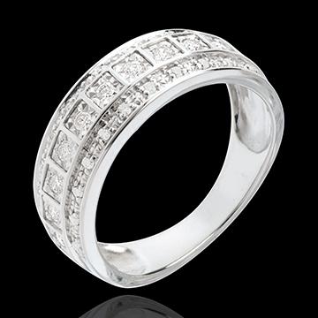 خاتم فيري ـ كالاكسي ـ 0.28 قيراط ـ 33 ماسة ـ ذهب أبيض عيار 18 قيراط