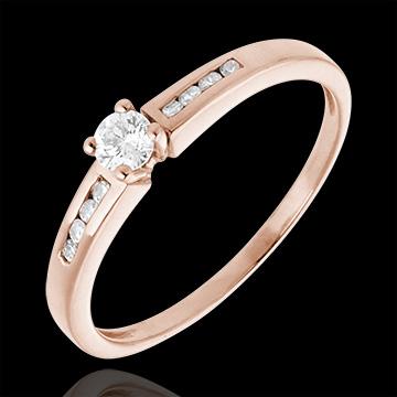 خاتم سوليتير اوكتاف من الذهب الوردي 18 قيراط ـ الماس 0.16 قيراط
