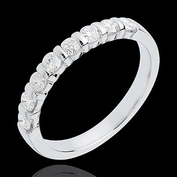 خاتم زواج من الذهب الأبيض 18 قيراط شبه مرصَّع ـ ترصيع مستطيل ـ 0.5 قيراط ـ 8 ماسات
