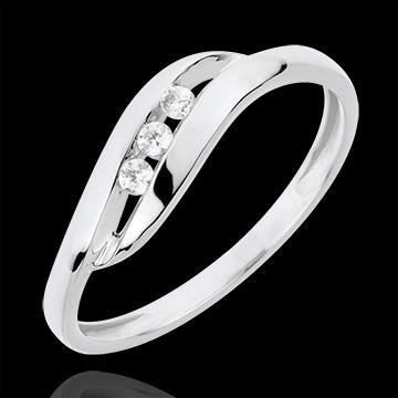 خاتم ثلاثي العش الثمين ـ شيري ـ الذهب الأبيض 18 قيراط