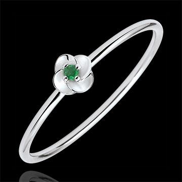 خاتم إيكلوسيون ـ الزهرة الأولى ـ موديل صغير ـ الذهب الأبيض 18 قيراط والزمرد