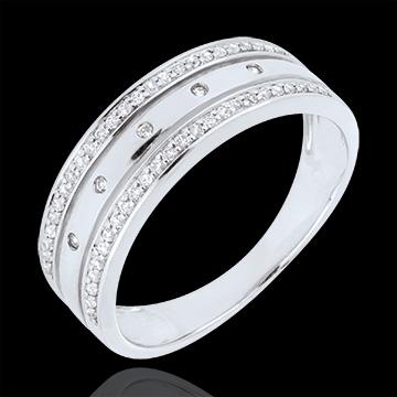 خاتم فيري ـ تاج النجوم ـ موديل كبير ـ ذهب أبيض 18 قيراط والألماس