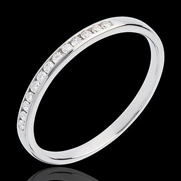 Juwelier Trauring zur Hälfte mit Diamanten besetzt in Weissgold - Kanalfassung - 13 Diamanten