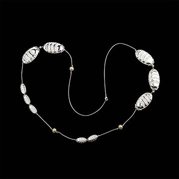 Geschenke Halskette Talisman - aus Weißgold, Perlen und Diamanten