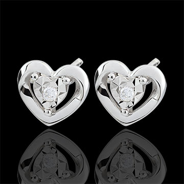 present White Gold Small Heart Earrings