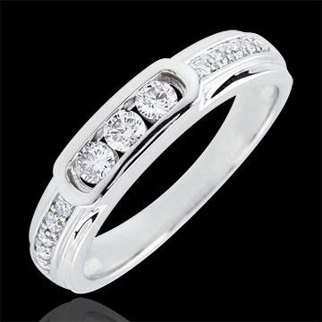 jewelry Helwen Trilogy Ring