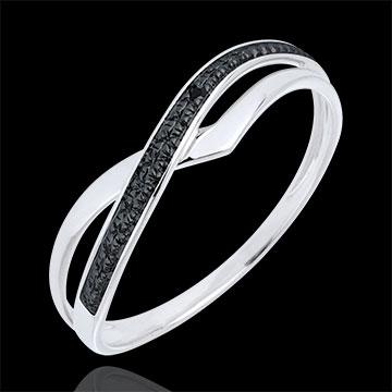 خاتم مارينا من الذهب الأبيض 9 قيراط والألماس الأسود