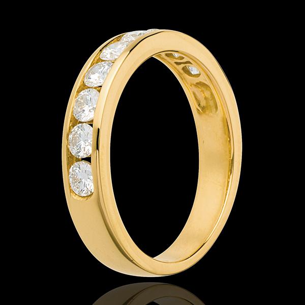 Alianza oro amarillo semi empedrado - engaste raíl - 0.75 quilates - 9 diamantes