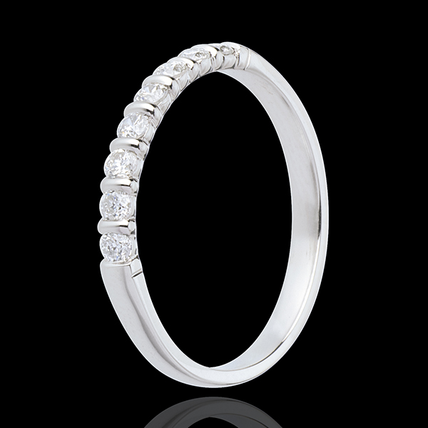 Alianza oro blanco semi empedrado - engaste en empedrado - 0.25 quilates - 8 diamantes