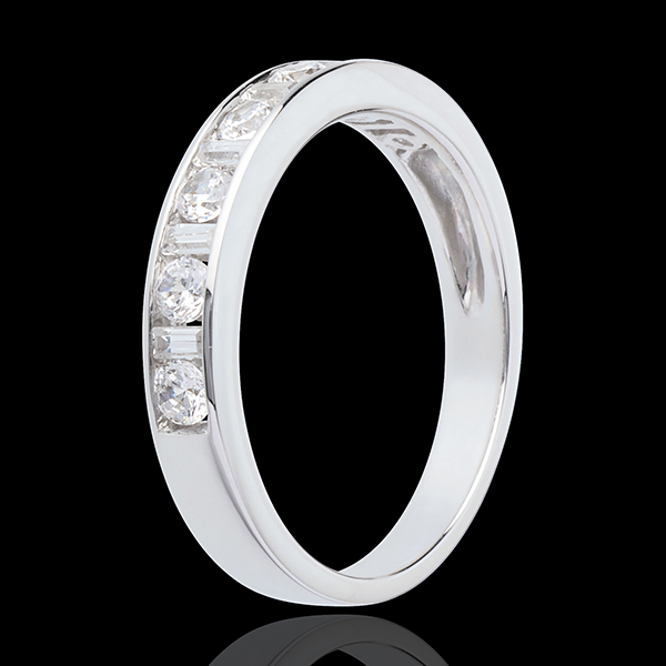 Alliance or blanc 18 carats semi pavée - serti rail - 0.57 carats - 13 diamants