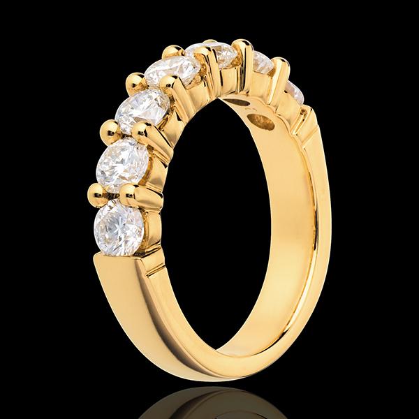 Alliance or jaune 18 carats semi pavée - serti griffes - 1.57 carats - 7 diamants