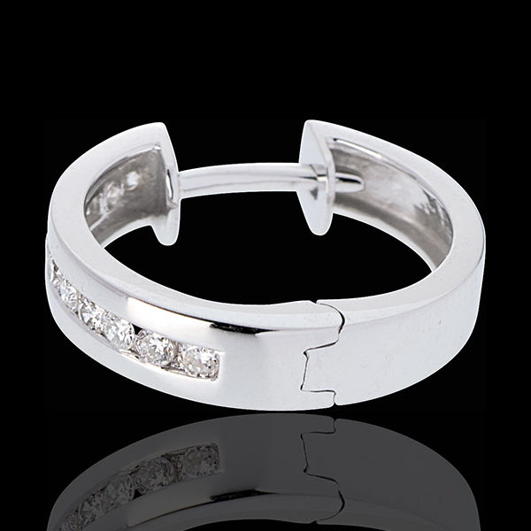 Créoles or blanc 18 carats diamants - serti rail - 0.24 carats - 22 diamants
