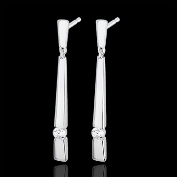 White Gold and Diamond Cleopatra Earrings
