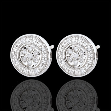 Elsa Earrings with 22 diamonds