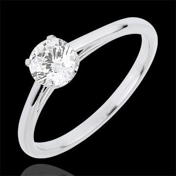 Solitaire Ring of Precious Purity with a 0.50 carat diamond