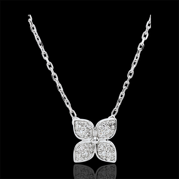 Eternity Flower Necklace with 16 diamonds
