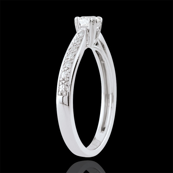 Garlane Solitaire Ring with 8 claws- 0.19 carat - 18 carats