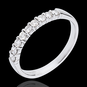 Goldener Trauring zur Hälfte mit Diamanten besetzt in Weissgold - Krappenfassung - 0.25 Karat - 9 Diamanten