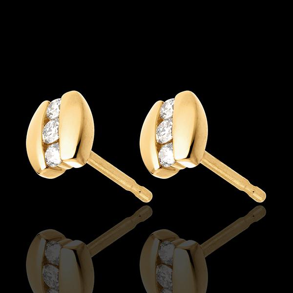 Kolczyki Drogocenne Gniazdo - Trzy diamenty w nawiasie - złoto żółte 18-karatowe - 6 diamentów
