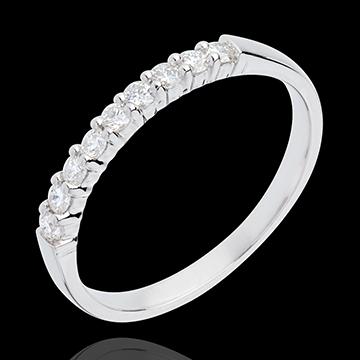 Obrączka z białego złota 18-karatowego w połowie wysadzana diamentami - krapy - 0,25 karata - 9 diamentów