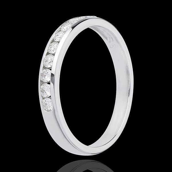 Obrączka z białego złota 18-karatowego w połowie wysadzana diamentami - oprawa kanałowa - 0,3 karata - 10 diamentów