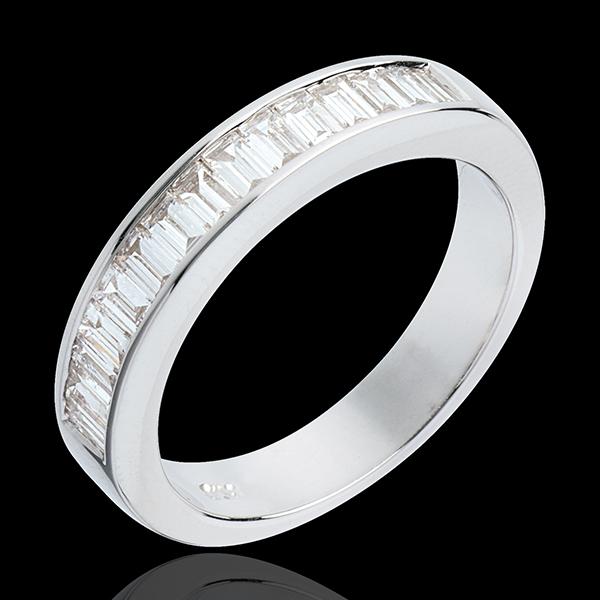 Obrączka z białego złota 18-karatowego w połowie wysadzana diamentami - oprawa kanałowa - 0,75 karata