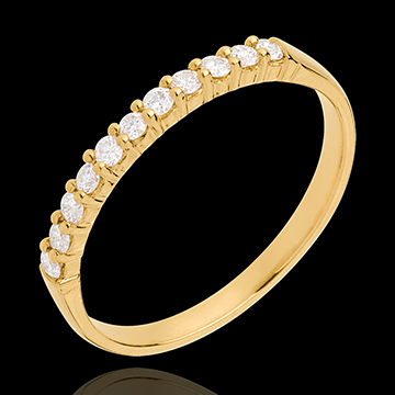 Obrączka z żółtego złota 18-karatowego w połowie wysadzana diamentami - krapy - 11 diamentów