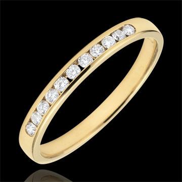 Obrączka z żółtego złota 18-karatowego w połowie wysadzana diamentami - oprawa kanałowa - 0,15 karata - 11 diamentów