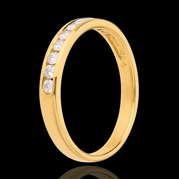 Obrączka z żółtego złota 18-karatowego w połowie wysadzana diamentami - oprawa kanałowa - 0,25 karata - 10 diamentów