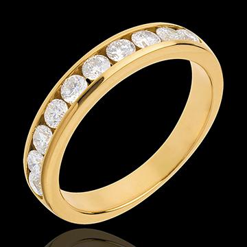 Obrączka z żółtego złota 18-karatowego w połowie wysadzana diamentami - oprawa kanałowa - 0,65 karata - 10 diamentów