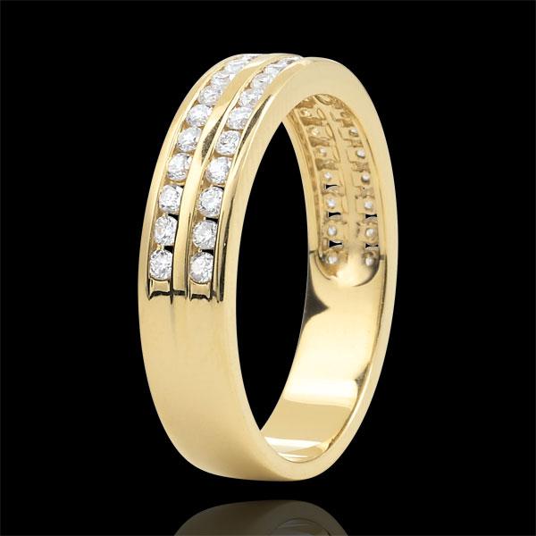 Obrączka z żółtego złota 18-karatowego w połowie wysadzana diamentami - oprawa kanałowa w 2 rzędach - 0,32 karata - 32 diamenty
