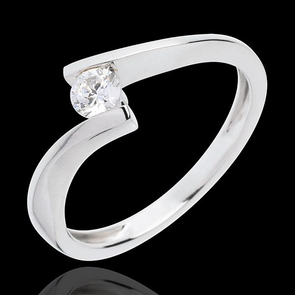 Pierścionek Drogocenne Gniazdo z jednym diamentem - Apostrof - złoto białe 18-karatowe - diament 0,2 karata