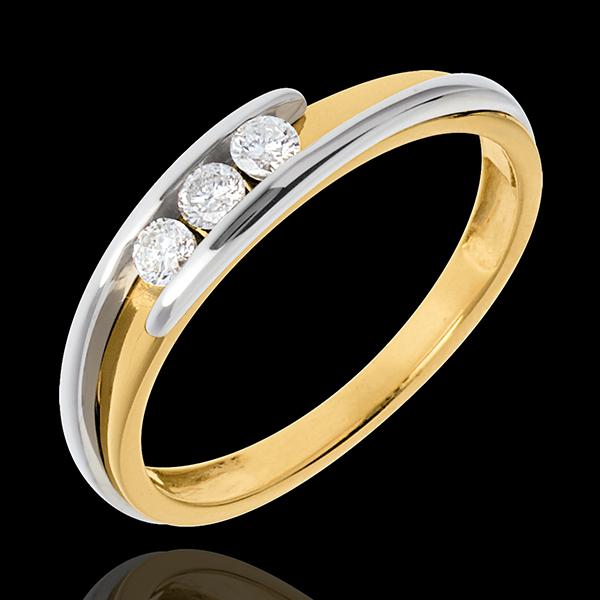 Pierścionek Drogocenne Gniazdo z potrójnym diamentem - Z zachodzącymi na siebie ramionami - diament 0,16 karata - złoto białe i