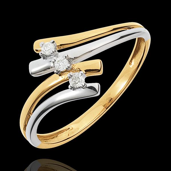 Pierścionek Drogocenne Gniazdo z trzema diamentami - Firmament - diament 0,05 karata - złoto białe i złoto żółte 18-karatowe