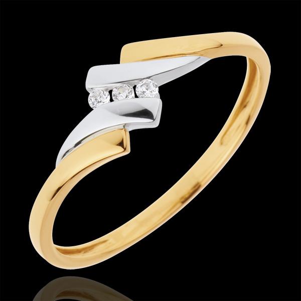 Pierścionek Drogocenne Gniazdo z trzema diamentami - Melodia - diament 0,04 karata - złoto białe i złoto żółte 18-karatowe