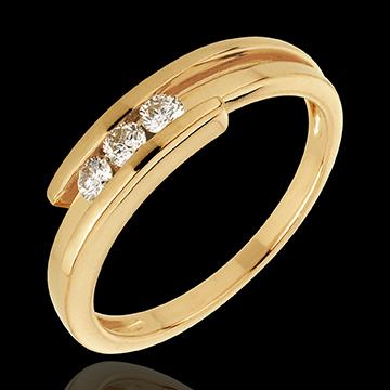 Pierścionek Drogocenne Gniazdo z trzema diamentami - Z zachodzącymi na siebie ramionami - złoto żółte 18-karatowe - 0,17 karata