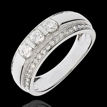 Pierścionek Feeria - Trzy diamenty środkowe na oprawie w połowie wysadzanej diamentami - 0,77 karata - 57 diamentów - złoto biał
