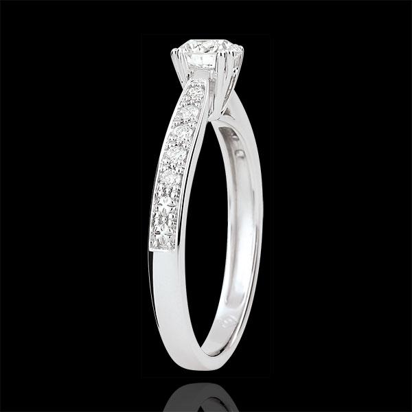 Pierścionek Garlane z jednym diamentem oprawionym w 8 krap - diament 0,4 karata - złoto białe 18-karatowe