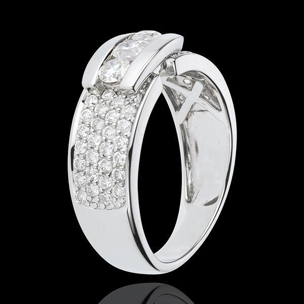 Pierścionek Konstelacja - Pierścionek z białego złota 18-karatowego z trzema diamentem w otoczeniu innych diamentów - 0,84 karat