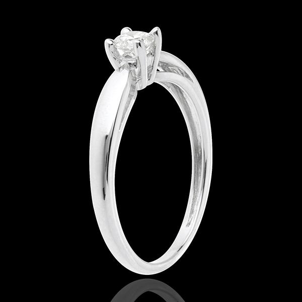 Pierścionek w kształcie trzciny z białego złota 18-karatowego z jednym diamentem - 0,21 karata