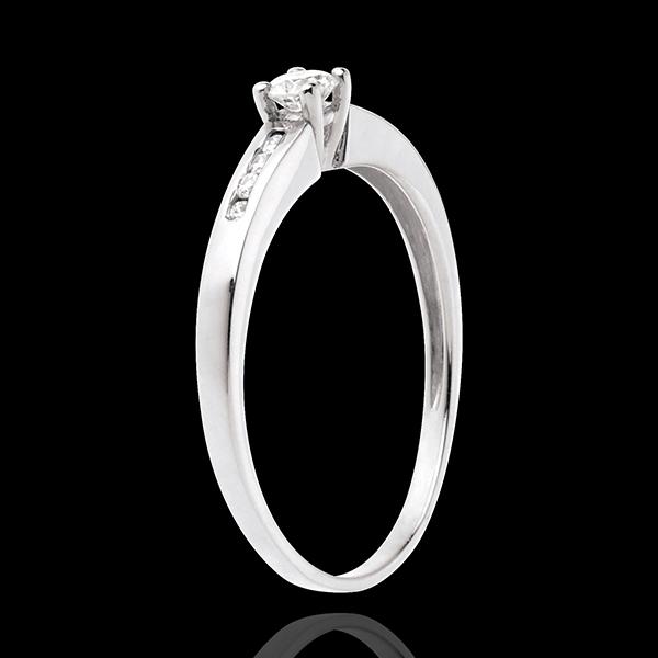 Pierścionek Oktawa z białego złota 18-karatowego z jednym diamentem środkowym - diament 0,16 karata