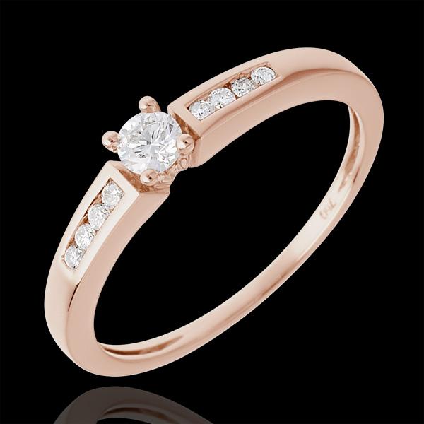 Pierścionek Oktawa z różowego złota 18-karatowego z jednym diamentem środkowym - diament 0,13 karata