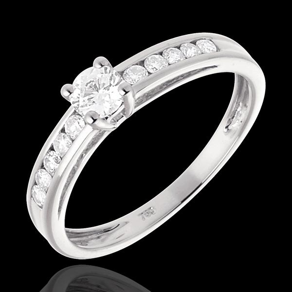 Pierścionek Przejaśnienie z białego złota 18-karatowego z jednym diamentem - 0,22 karata