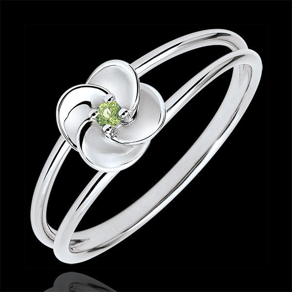 Pierścionek Rozkwit - Pierwsza Róża - złoto białe 9-karatowe i perydot