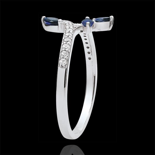 Pierścionek Tajemniczy Las - złoto białe 9-karatowe, diamenty i szafiry w kształcie łezki