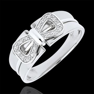 Pierścionek Węzeł Gorsetowy z białego złota 9-karatowego