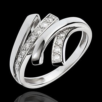 Overlaid White Gold Desert night Ring - 12 Diamonds