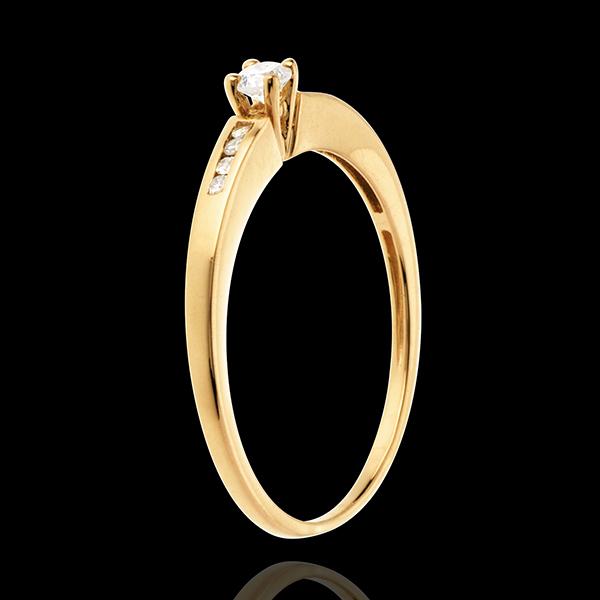Solitaire Octavă aur galben de 18K - diamant 0.07 carate