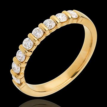 Trauring semi pavé in Gelbgold - Krappenfassung - 0.5 Karat - 8 Diamanten