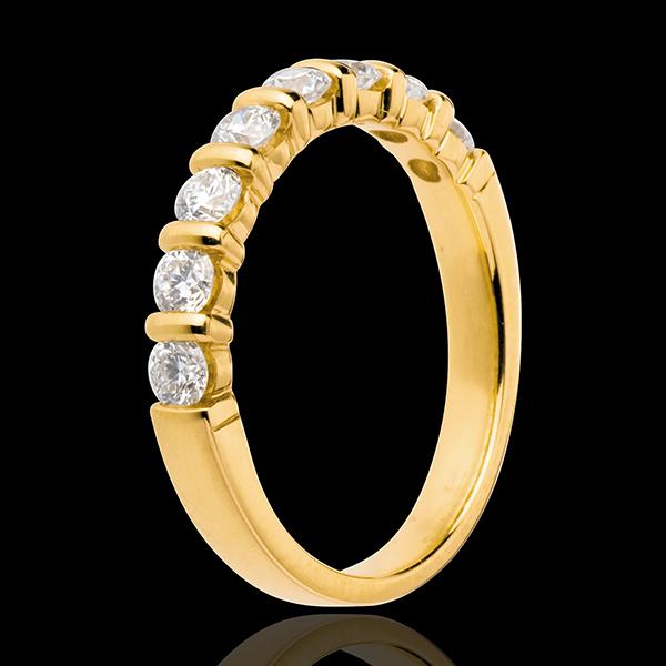 Trauring semi pavé in Gelbgold - Krappenfassung - 0.65 Karat - 8 Diamanten